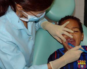 dentist-480106-m