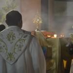 Zawód ksiądz. Od czego zaczyna młody duchowny?