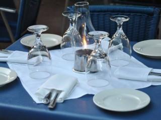 Nakrywamy stoły bankietowe