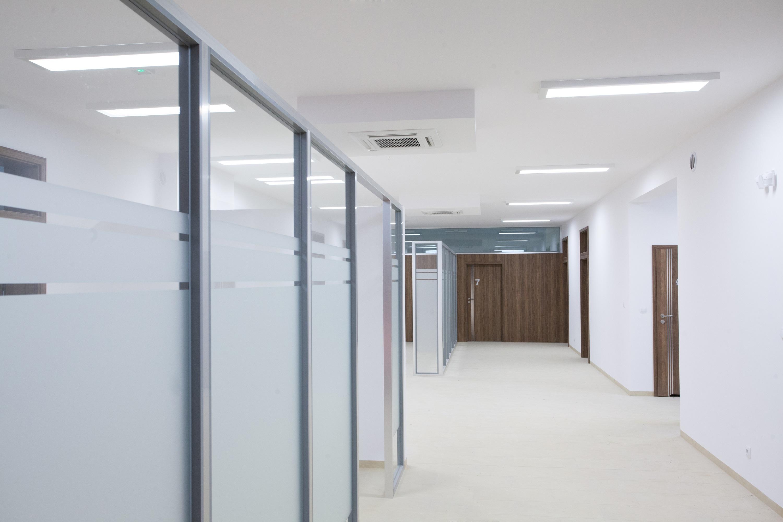 oświetlenie ledowe biura