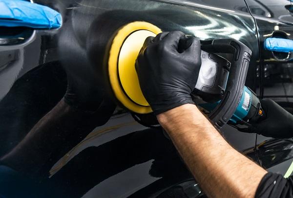polerowanie samochodu